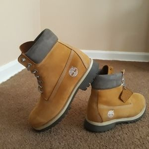 $45 Used Timberland Boots Size 8